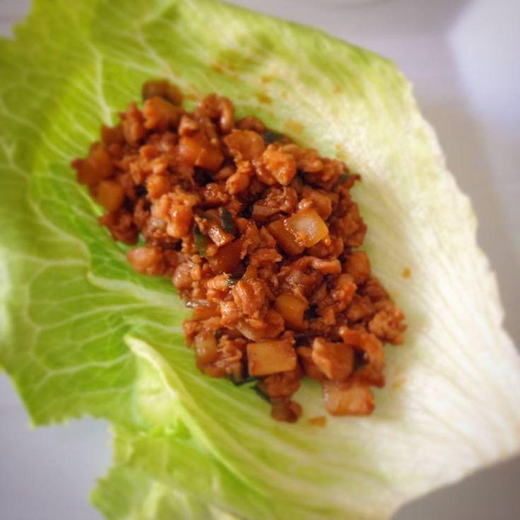 Tacos de lechuga con pollo (Pf Chang's lettuce wraps) por Malú Gamez