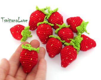 Crochet fresa de bosque (1 pc +) - bayas - frutillas en una cesta - pinche - Eco-friendly - pequeña decoración de ganchillo - listo para enviar