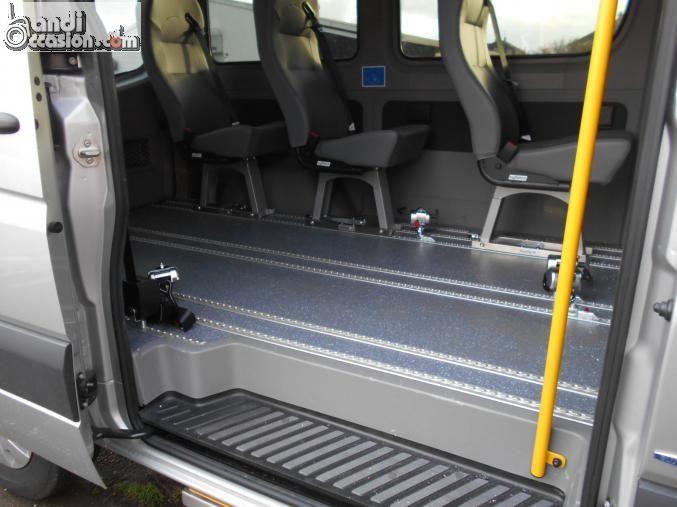 minibus  pour 3 fauteuils roulants
