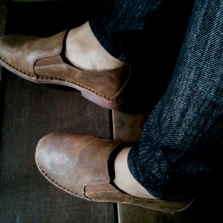 leather time hush puppies