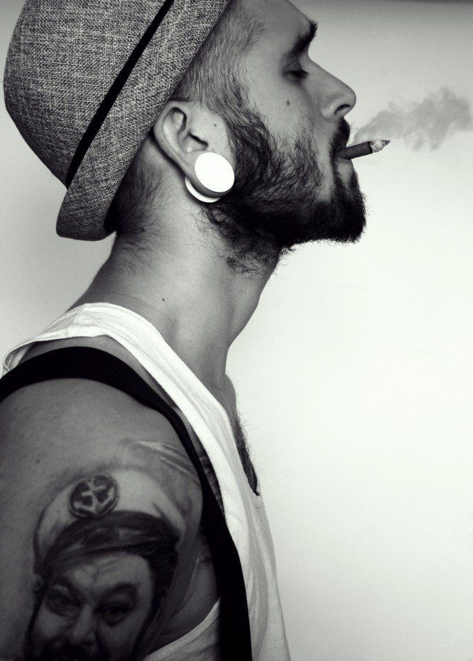 beard. fedora. tattoos. yum!