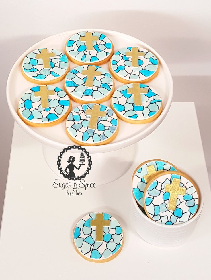 First Holy Communion stained glass cookies (handpainted cookies) #sugarnspicebycher