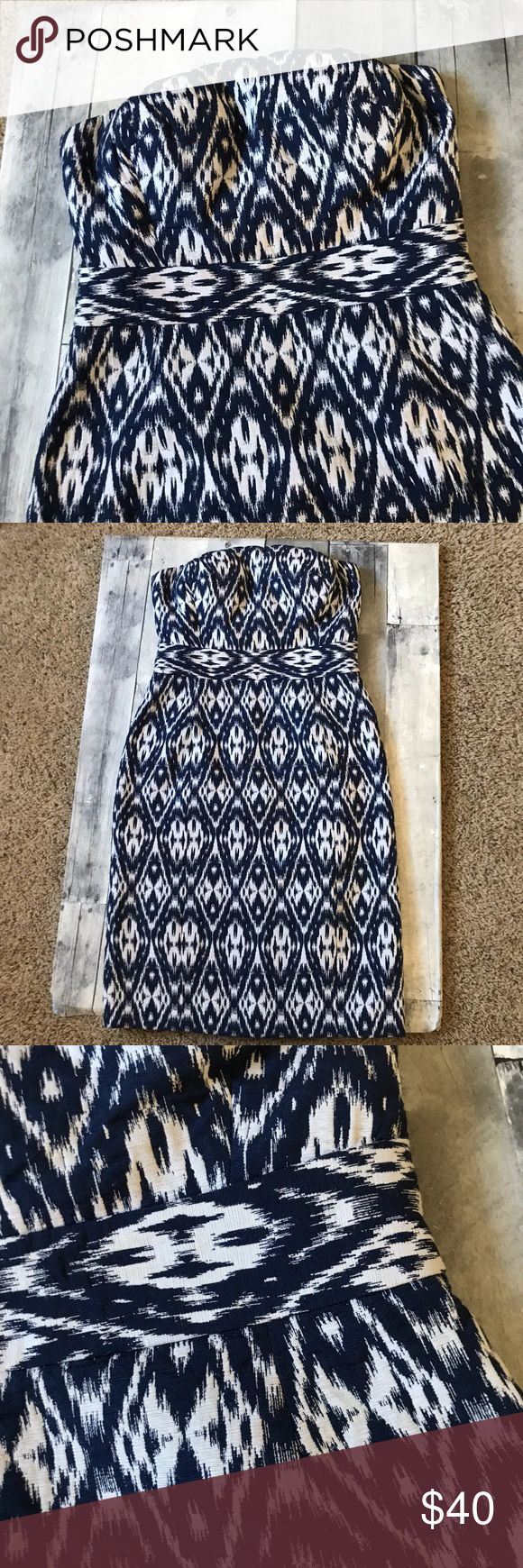 "Banana Republic Navy & White Ikat Print Dress -554 Size 2 Banana Republic Navy & White Ikat Print Strapless Dress.  A great special occasion dress!  Perfect for weddings, showers or a special night out!  Preloved in excellent condition.  Measures 15"" armpit to armpit, 14"" across the waist and 30.5"" in length.  Pet and smoke free home.  Offers Welcome. Banana Republic Dresses Strapless"