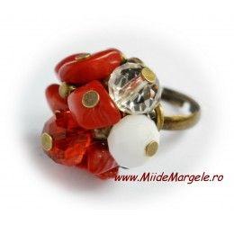 Inel handmade de Craciun cu pietre din coral si cristale