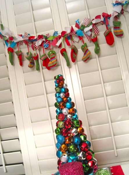 Mini Stocking GarlandColors Garlands, Christmas Merry, Vintage Colors, Adult Holiday, Christmas Decor, Christmas Garlands, Christmas Ideas, Holiday Decor, Diy Christmas