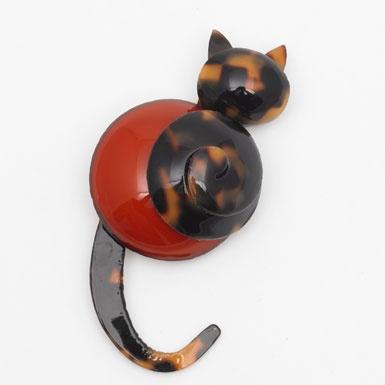 Cat Brooch by Cilea