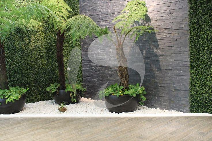 Si deseas disfrutar un espacio verde durante todo el a o y for Muros de jardin