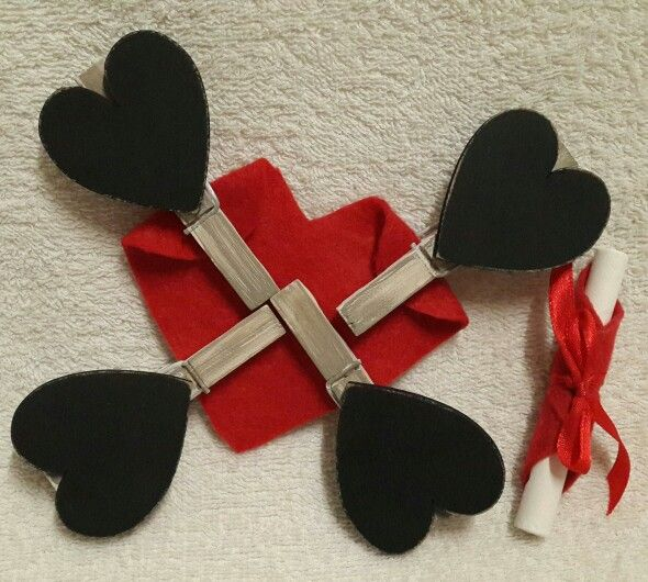 Black board heart pegs.  Orders @ creative.organizingandcleaning@gmail.com or phone Rozanne 071 679 3376