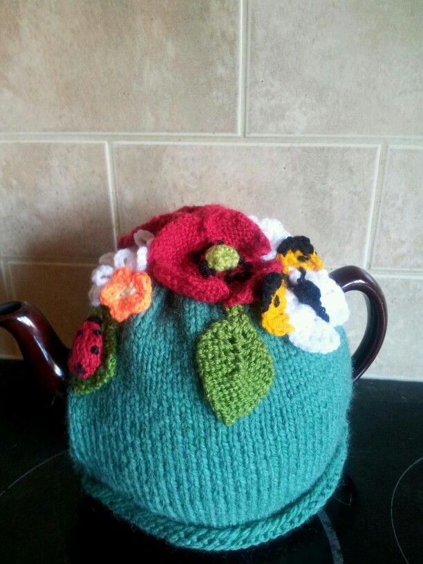 Floral delight tea cosy knitted