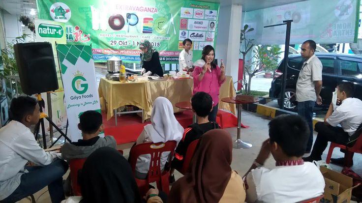 Kegiatan demo masak di Home central Medan