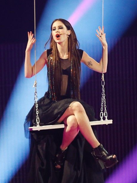 lena meyer-landrut... I want to go to her concert in Germany SO bad! Sie ist TOLLE!!!