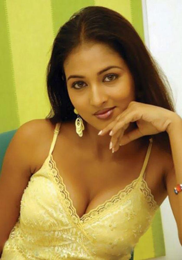 01c62817d802b Telugu hot actress Vidisha Srivastava