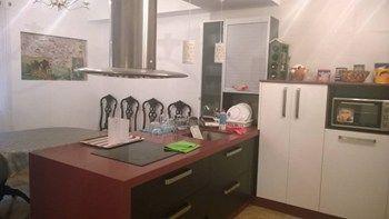 #Vivienda #Almeria Duplex en alquiler en #Almeria zona Catedral #FelizMiercoles - Duplex en alquiler por 1.300€ , 5 habitaciones, 250 m², 1 baño, con terraza, calefacción no