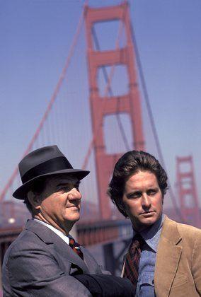 Die Strassen von San Francisco - Karl Malden und Michael Douglas (1972) Was fand ich das spannend! Und was hatte Karl Malden doch für einen Zinken! :-D