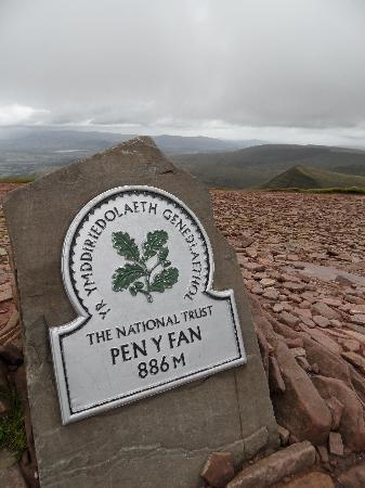 Pen-y-fan sign, Brecon Beacons, Black Mountains