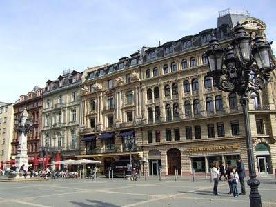 Return to Frankfurt am Main