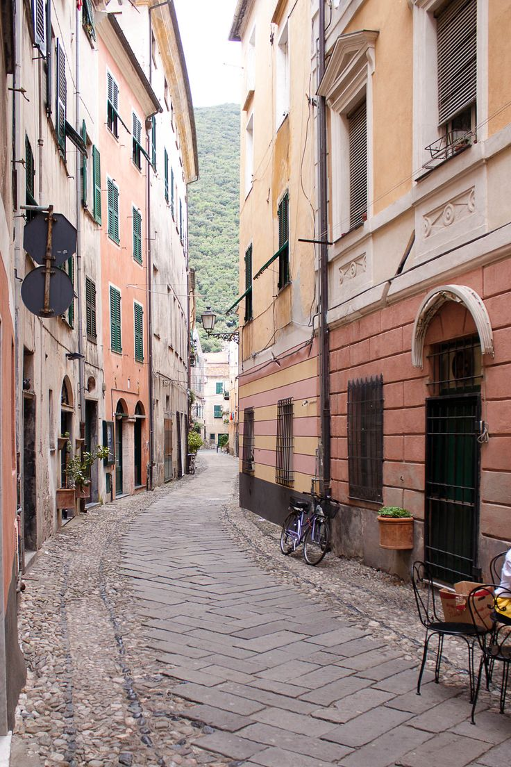 Travel: Review Ligurian Coast | Mood For Style - Fashion, Food, Beauty & Lifestyleblog | Finalborgo, Italy