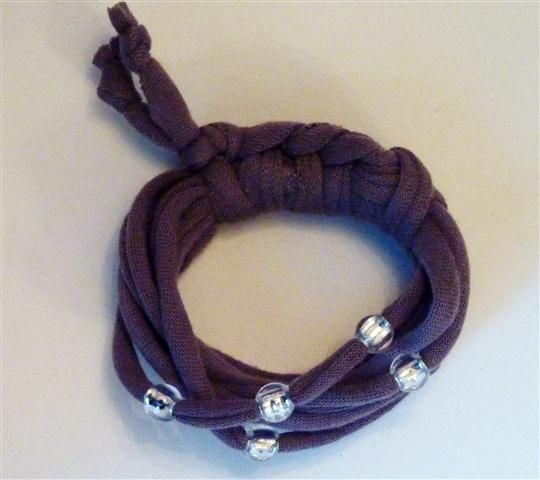 Brown bracelet with bead detail (15B)