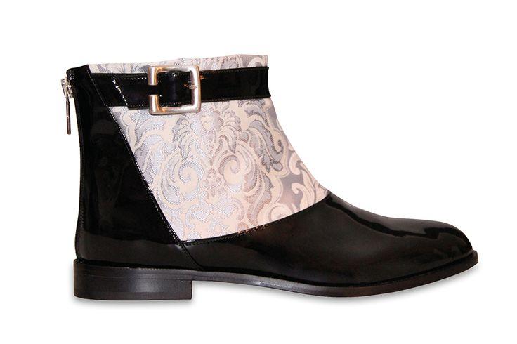 Premium Designer Ankle Boots Lackleder - Handgefertigt in Italien. Yes, it is LOVE!!! #intramontabile #newlabel #germandesigner