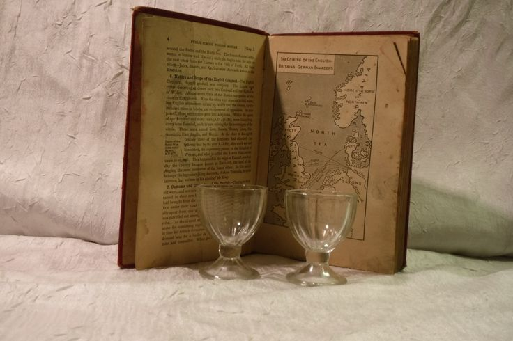 Dominion Glass Egg Cups / Set of 2 / Vintage Glass by OriginalVintageGypsy on Etsy