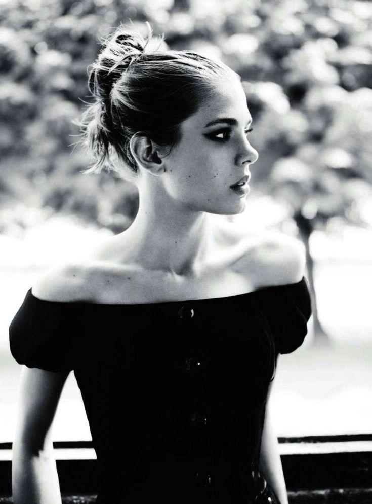 Carlota Casiraghi para Vogue France Septiembre 2011 |