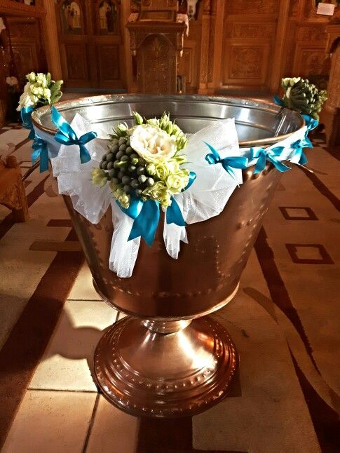 Cristelnita baietel alb-albastru! www.buticulcuevenimente.ro