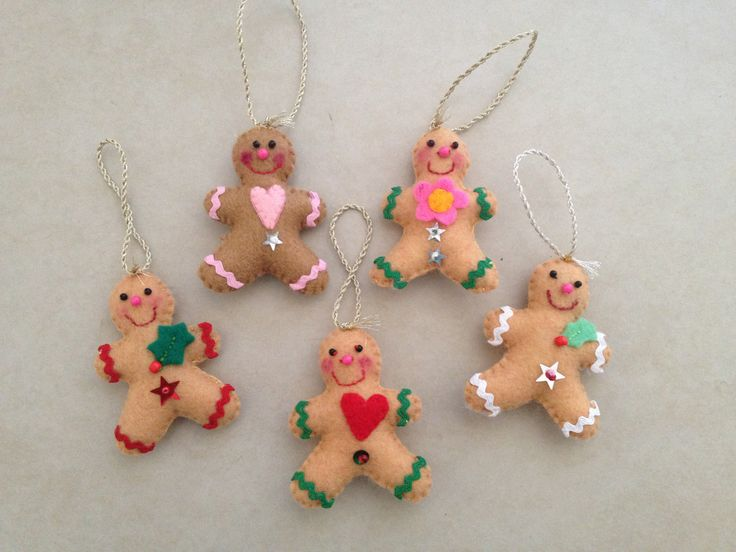 2012 Christmas Gingerbread mini felties. They were for tree decorations and present tags.