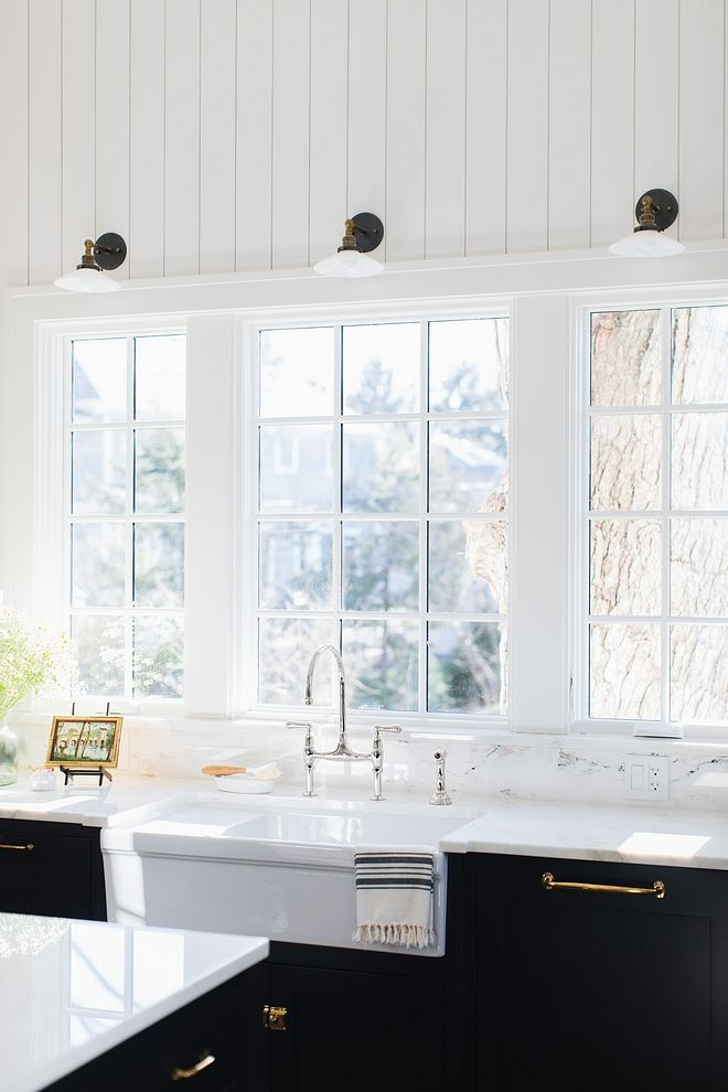 Farmhouse Sink White 36 Large Reversible Fireclay Farmhouse Sink With Drain Board Apron Front Farmhouse Sink Kitchen Kitchen Renovation Kitchen Diy Makeover