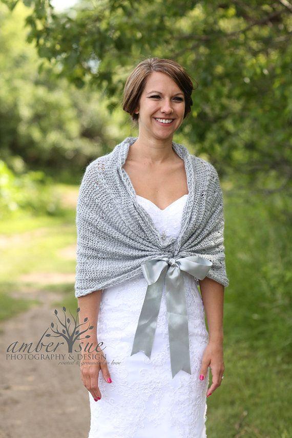 Knitting Pattern For Wedding Shawl : Best 25+ Wedding shawl ideas on Pinterest Winter wedding shawl, Winter brid...