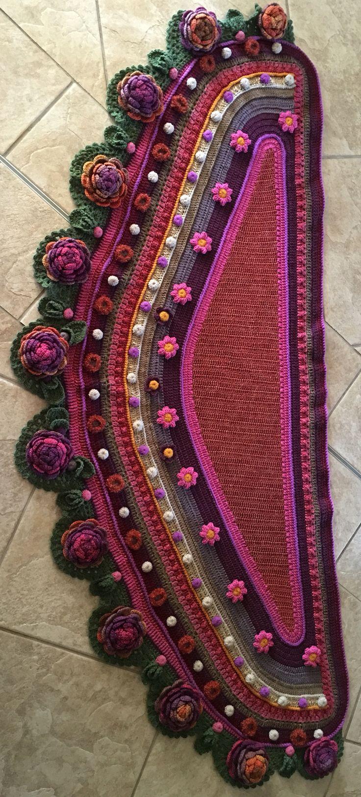 My shawl done by Gretha Botma -inspired by Adinda Zoutman's work.