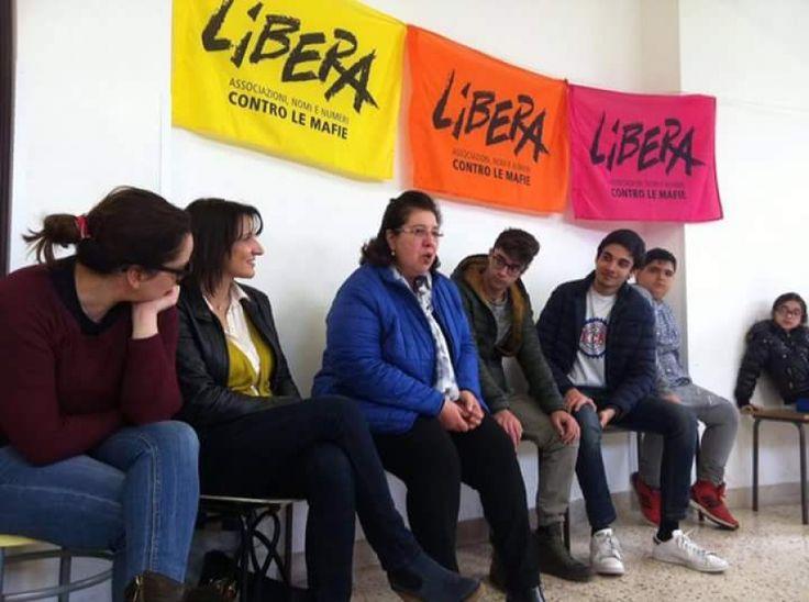 Maria Baronello durante un incontro con i giovani