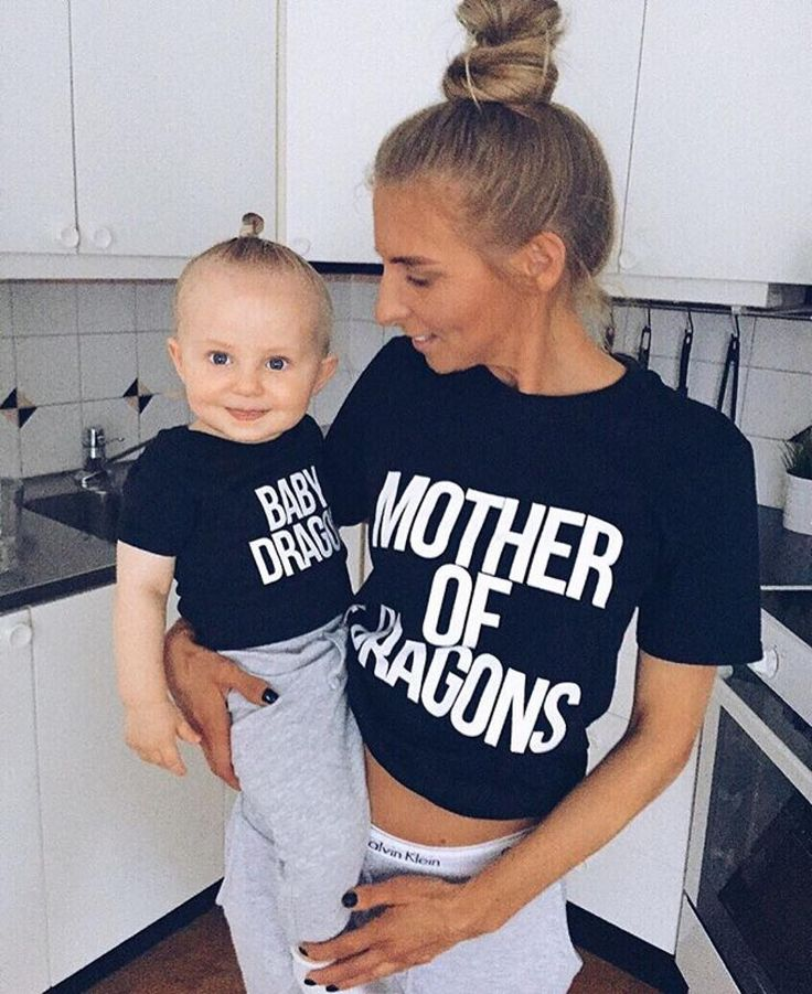 Mother of dragons and Baby dragon matching shirts set worn by the incredible @olgasaroka and her sweet little Leon ✨ We couldn't be happier! Link to buy in bio  @epicteesshop #motherofdragons #babydragon #khaleesi