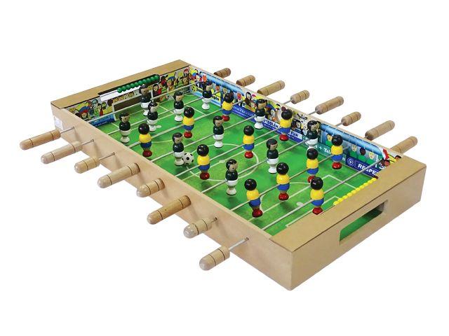 Futbolin en madera.  Edad +3  Ref 8-13100-104
