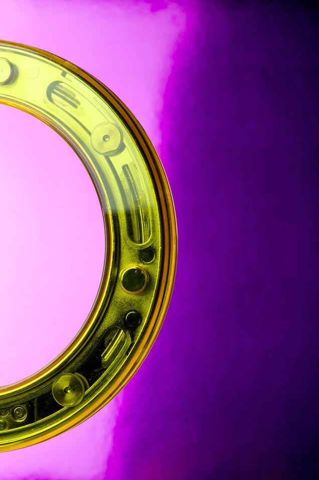 Lámpara Amuleto al detalle  Y ahora con la primavera tienes una variedad de colores exclusivos para elegir  #primavera #lampara #luz #tecnologia #lila #amarillo #arte #diseño #spring #lamp #light #purple #yellow #technology #design
