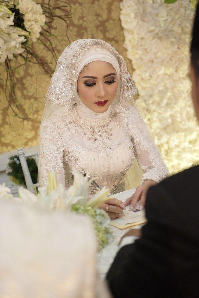 Pernikahan Adat Jawa Tantia dan Elno di Jakarta