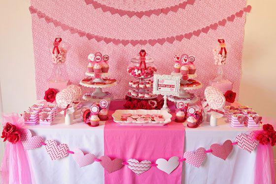 Fiesta de San Valentín con una Estupenda Mesa de Postres.