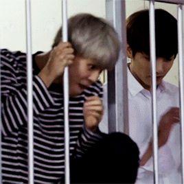 Imagem de gif, korea, and taehyung