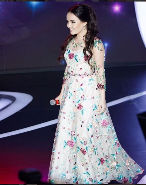 Larissa manoela vestido longo