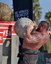 eddie hall strongman beast