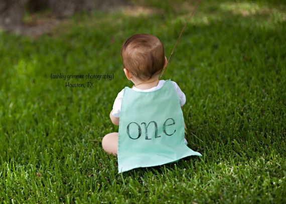 The perfect addition to a 1st birthday celebration for your little one…. (customization welcome!)  This listing includes one pint-sized