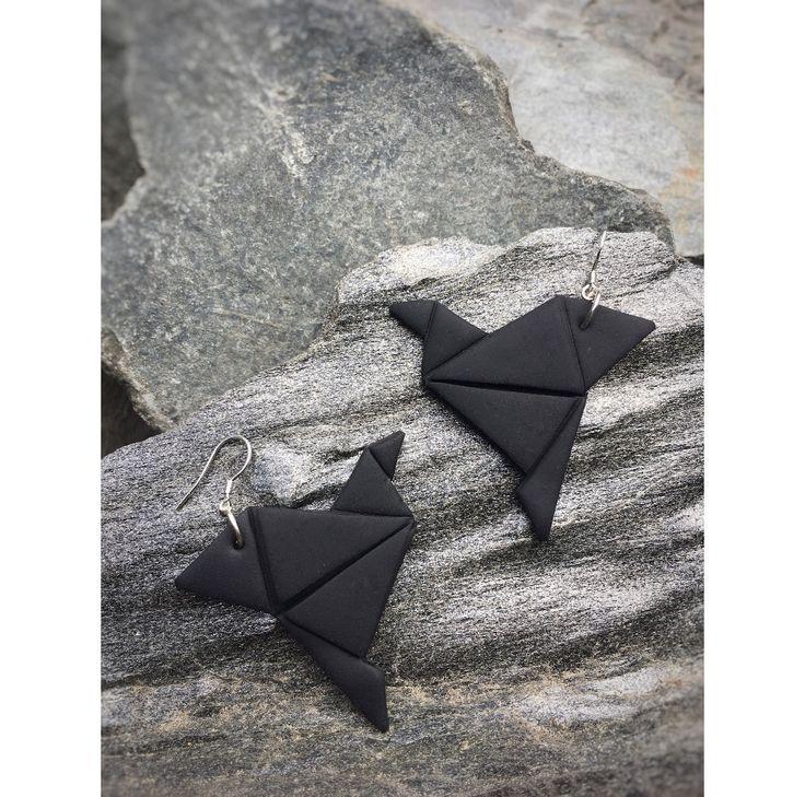 Origami bird earrings   Origami lintu korvakorut  made by CherryAnn Suomalaista käsityötä/ Made in Finland www.madebycherryann.com Instagram @madebycherryann Facebook Made by CherryAnn