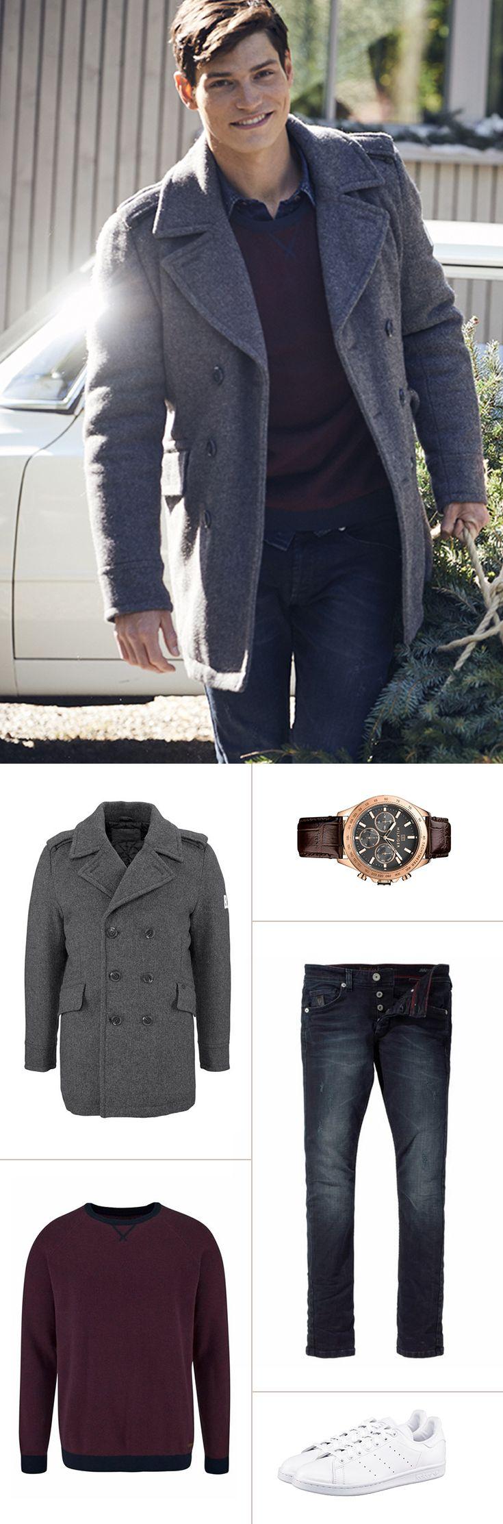 Das elegant-schicke Outfit für die kalten Tage. Zum warmen Strickpulli mit Kontrastbündchen kombinierst du am besten eine Slim-Fit-Jeans und setzt auf die Multifunktionsuhr mit Lederarmband im edlen rosegold. Die Cabanjacke setzt einen harmonischen Abschluss.