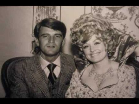 Dolly Parton and her husband of 45 years Carl Dean. ♥