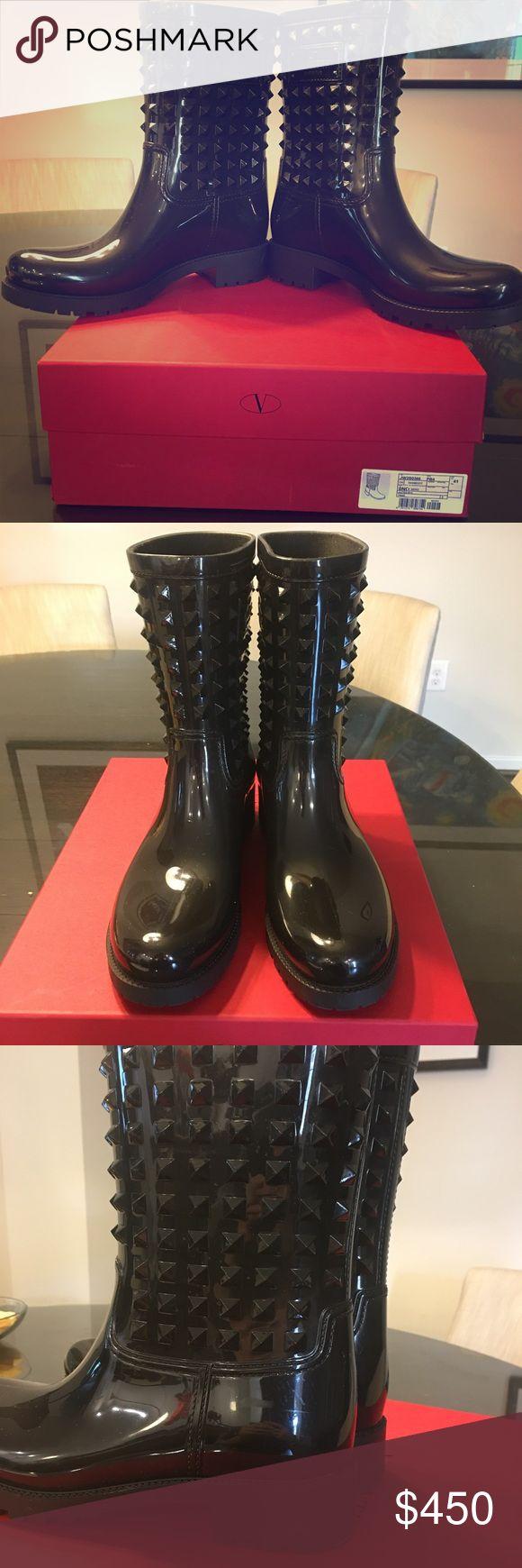 Valentino rain boots Pre owned valentino rain boots. Size 41. Has a few minor scuffs picture 3. Perfect for winter. Comes with orignal box and also dustbag Valentino Shoes Winter & Rain Boots