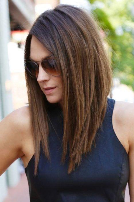 Corte bob en cabello liso y largo.