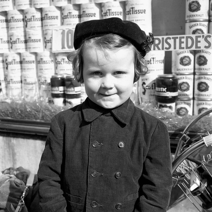 Vivian Maier, Photographer, New York City, 1950's Look how this little girl is…