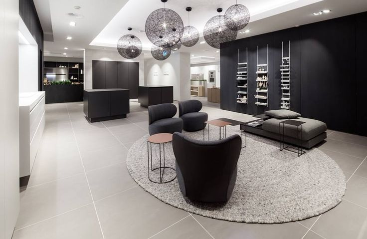 Roundabout 332 in the SieMatic Image Store, Stein, The Netherlands #vloerkleed #carpet #rug #teppich #interieur #interior #design #wol #wool #perlettacarpets