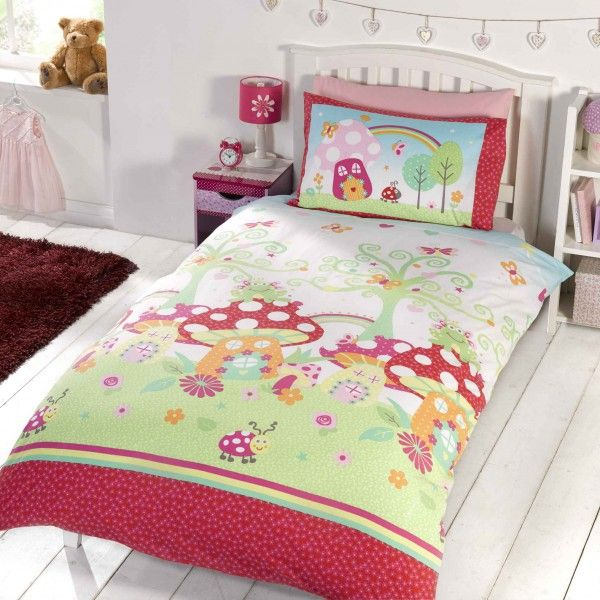 Enchanted Garden duvet cover for young girls. Comes in single & double duvet size.