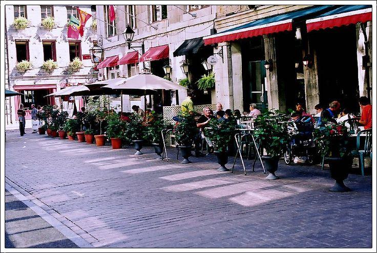 Cafe-terrasse - Montreal, Quebec