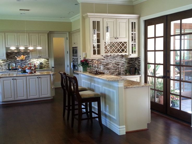 Antique White Cabinets-Vanillaville for wet bar from FX